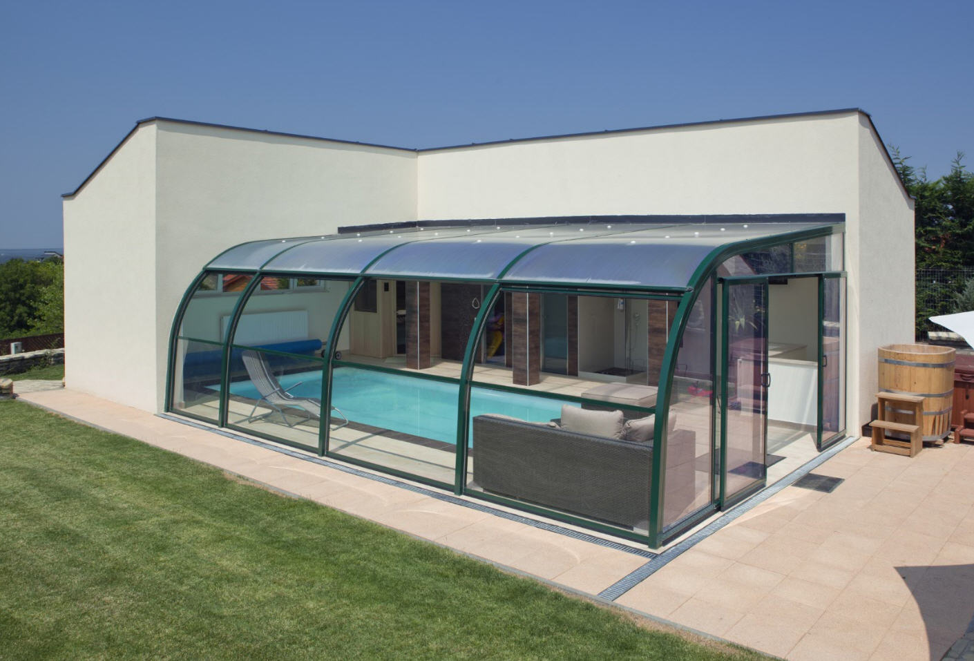 Galaxy-Fixed-End-On-Pool-Enclosure-01