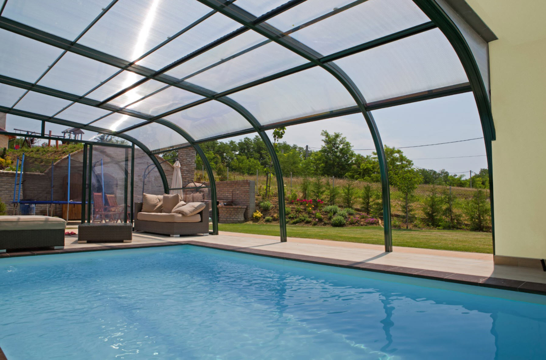 Galaxy-Fixed-End-On-Pool-Enclosure-05