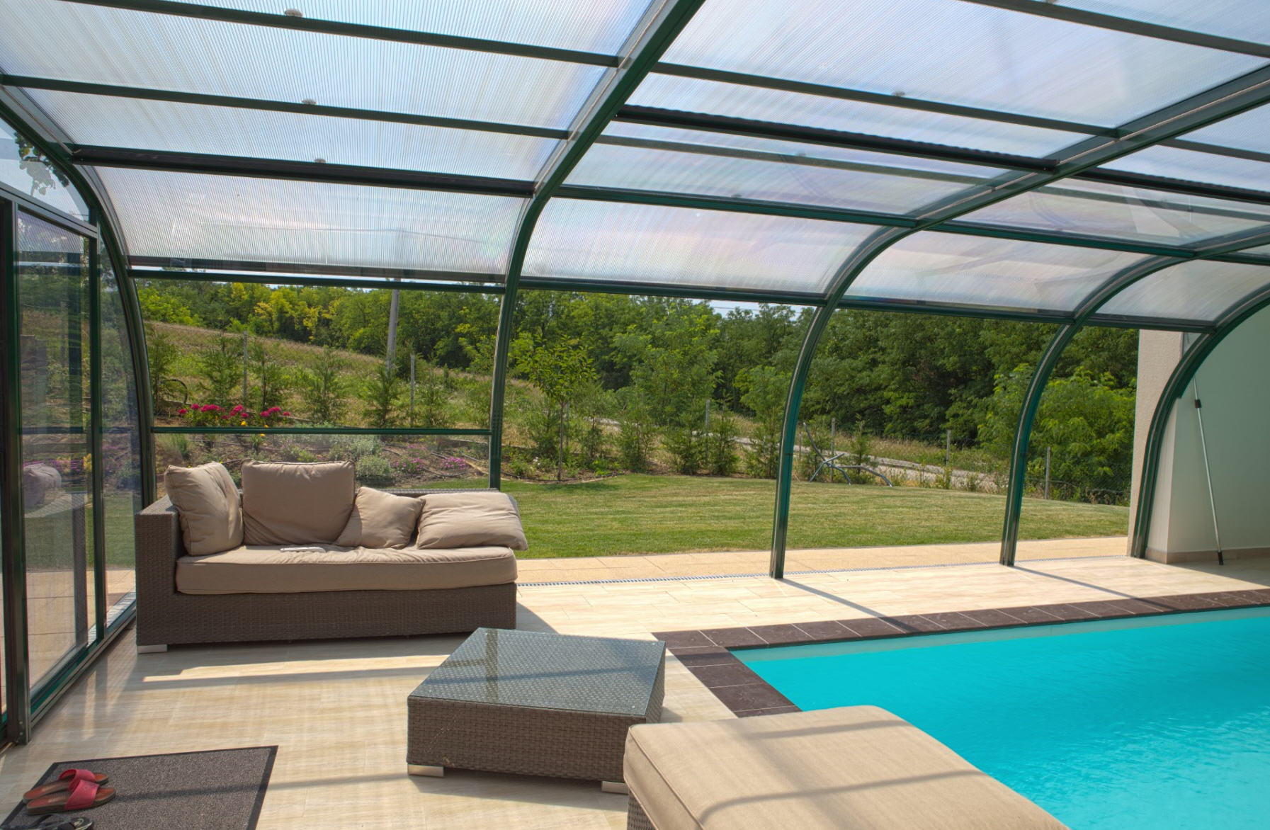 Galaxy-Fixed-End-On-Pool-Enclosure-06