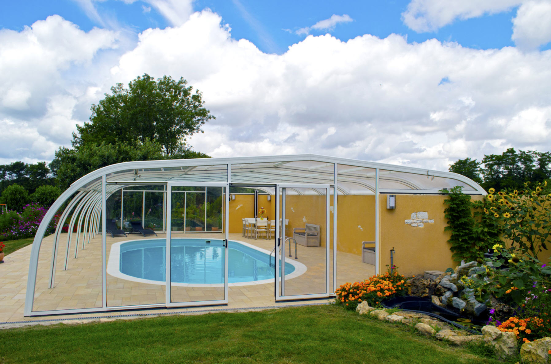 Galaxy-Fixed-Lean-To-Pool-Enclosure-02