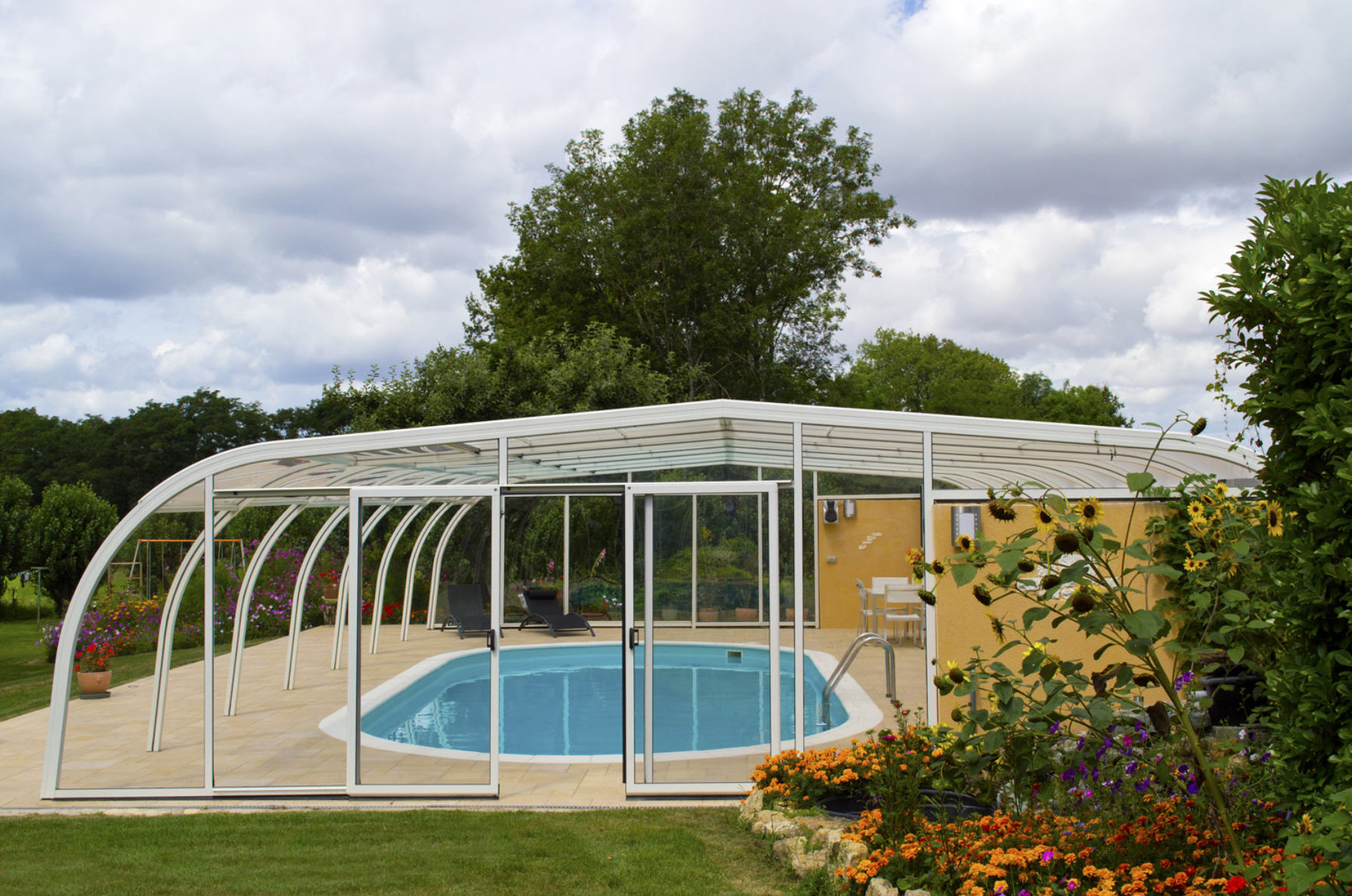 Galaxy-Fixed-Lean-To-Pool-Enclosure-03