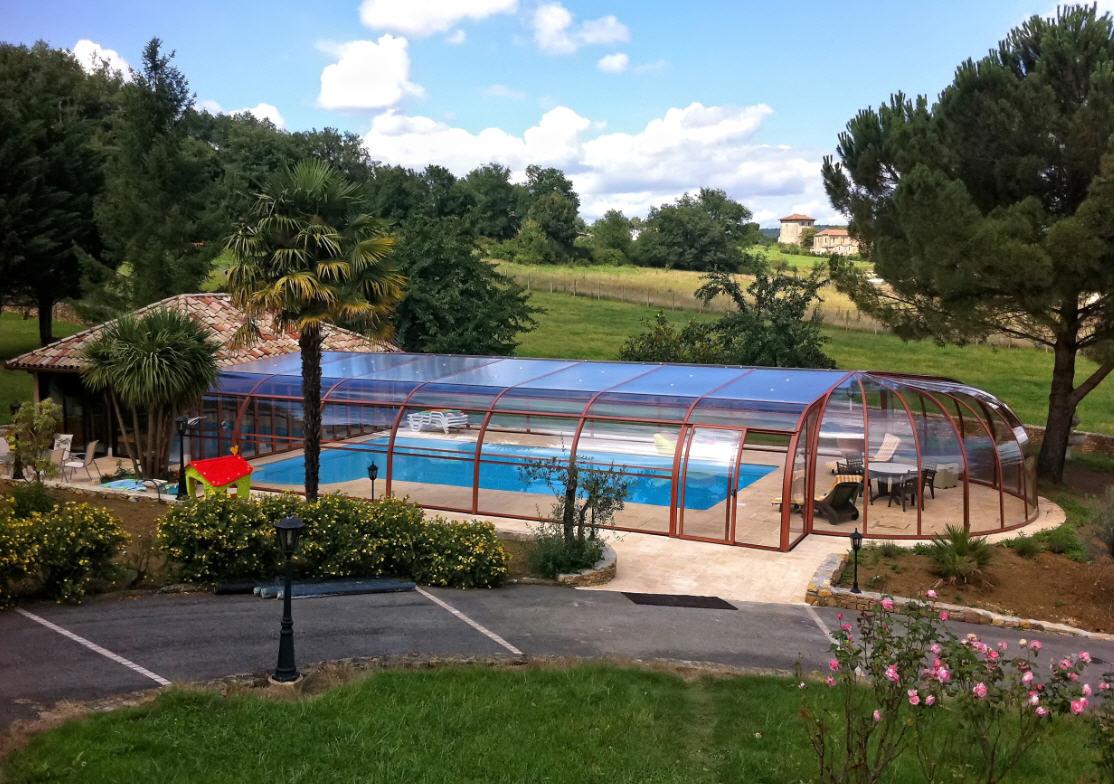 Galaxy-Freestanding-Pool-Enclosure-Design-White-4