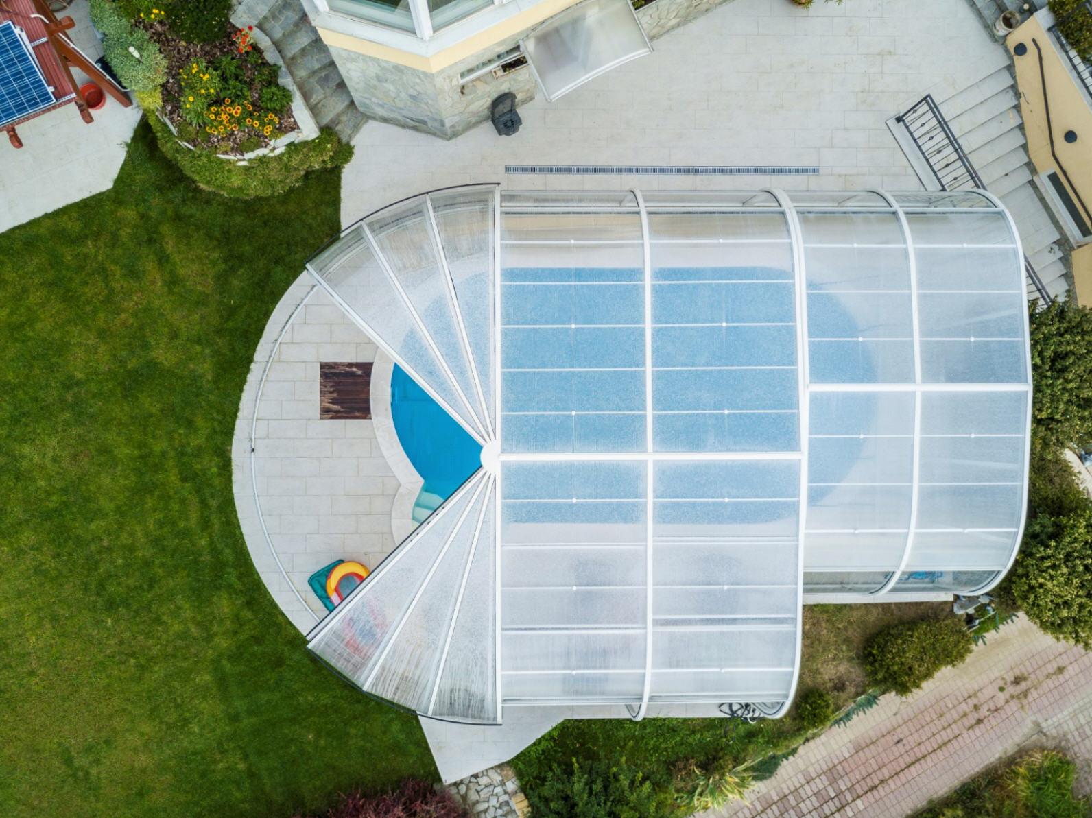 Galaxy-Pool-Enclosure-With-IRIS-End-01