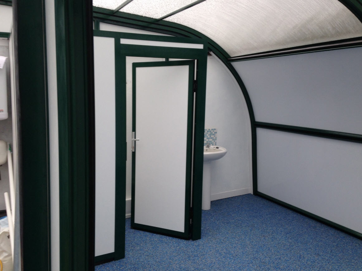 Galaxy-School-Pool-Enclosure-Changing-Rooms-And-Safety-Flooring-Anthracite-Close-Up