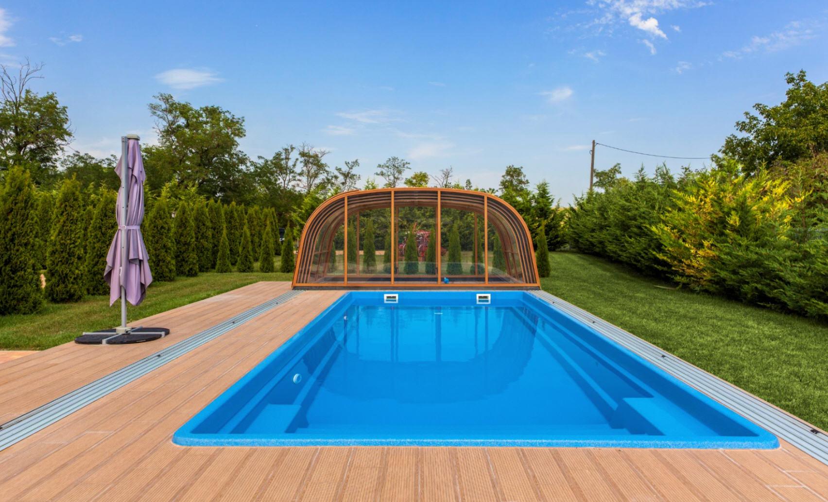 Galaxy-high-telescopic-pool-enclosure-02