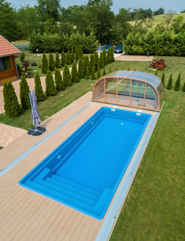 Galaxy-high-telescopic-pool-enclosure-03