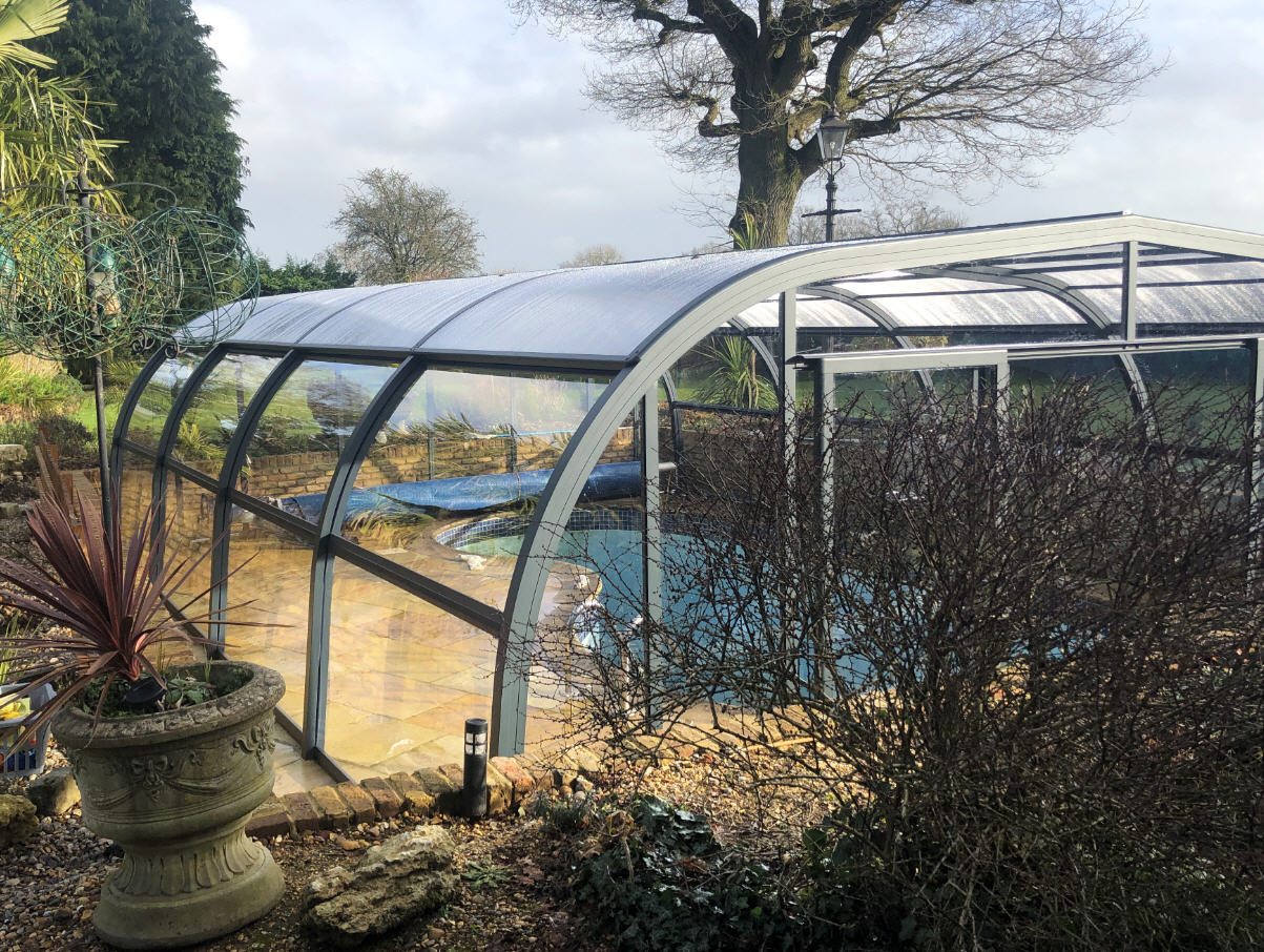 High-Fixed-Arched-Pool-Enclosure-21-01